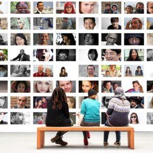 オンラインサロンで一般人が発信しているイメージ