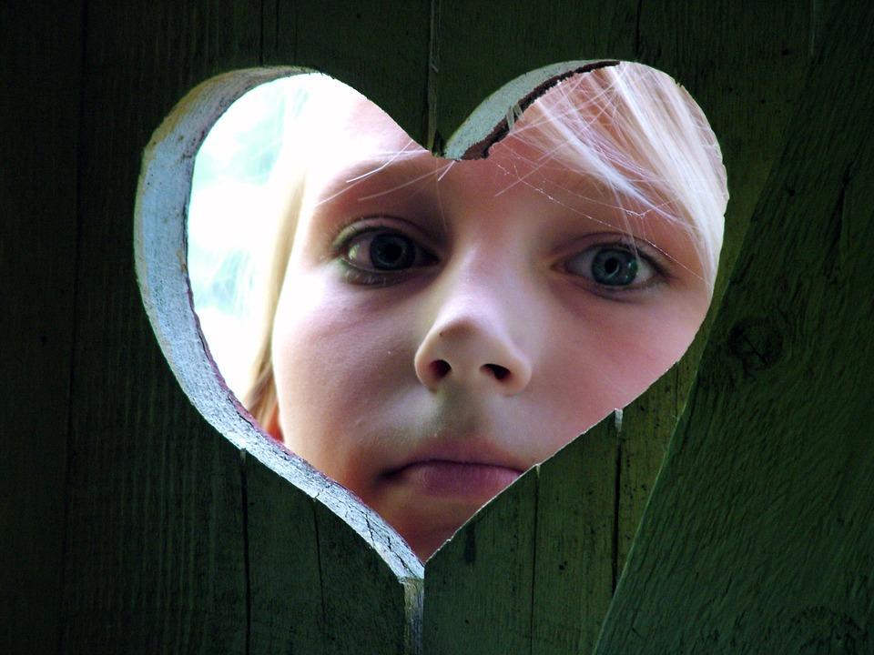 オンラインサロンで、心を開示しているイメージ
