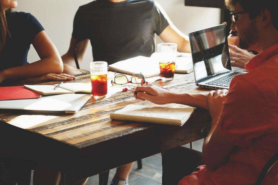 ビジネス会議のイメージ