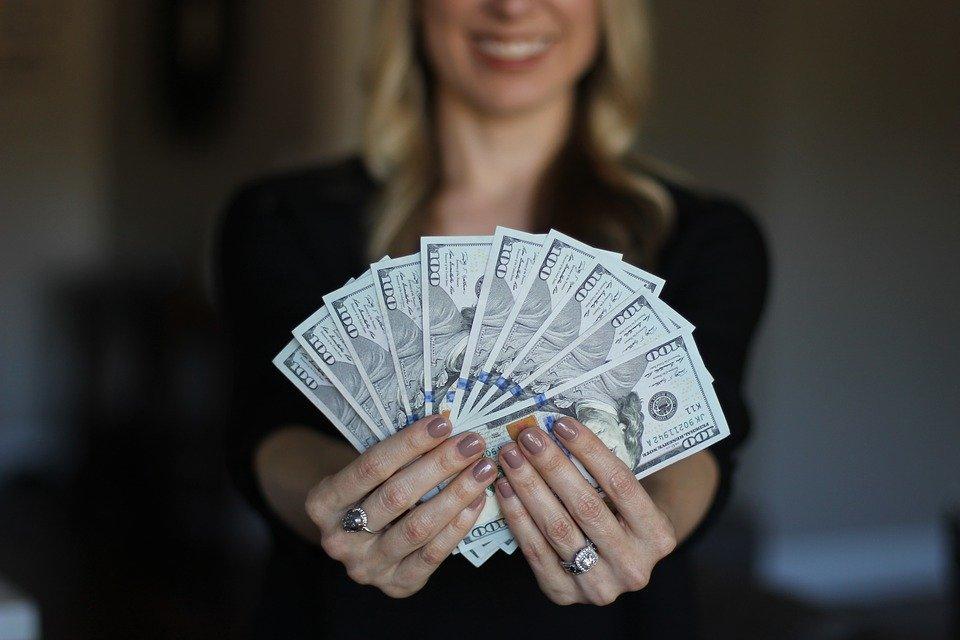 お金を稼ぐイメージ